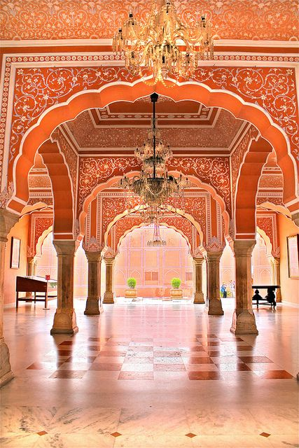 Indian palace jaipur india beautiful ceilings for Decor india jaipur