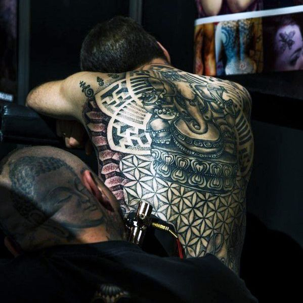 22 Impressive Tribal Hip Tattoos And Designs: 25+ Best Ideas About Tribal Back Tattoos On Pinterest