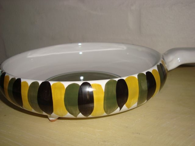 Bangholm pan/pande. #Bangholm #keramik #danishceramics #pottery #pan #pande. From www.TRENDYenser.com.