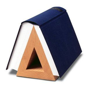 I desperately need this! So tired of bent,worn out corners and not having anywhere to put my books!