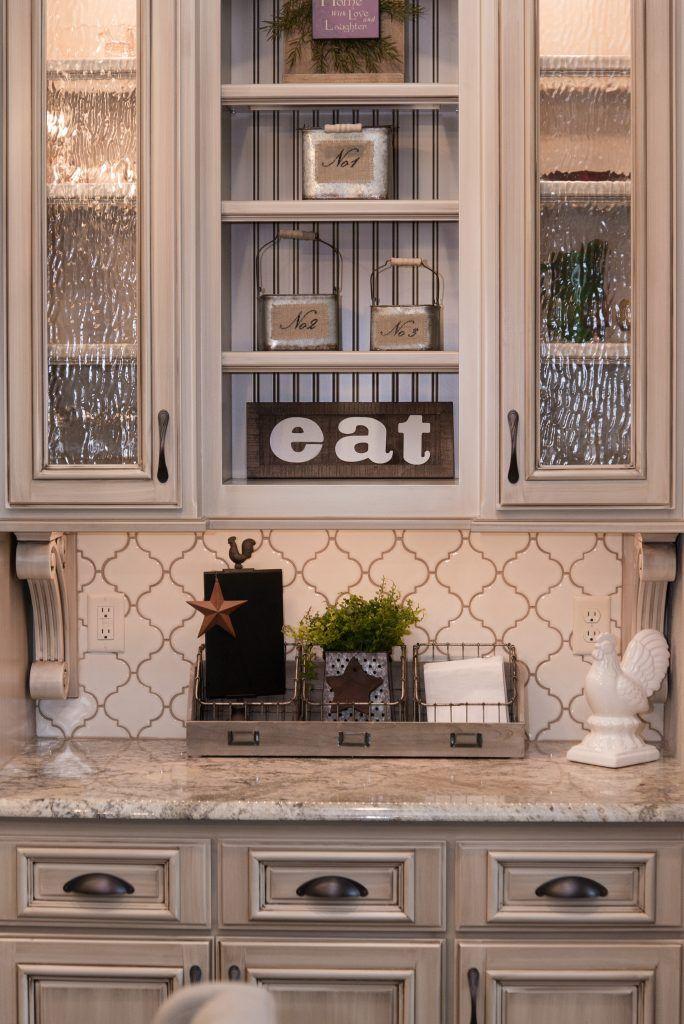 Backsplash Tile Antique White Arabesque Beige Grout Chamois Beige Kitchen Cabinets Beige Kitchen Antique White Kitchen Cabinets