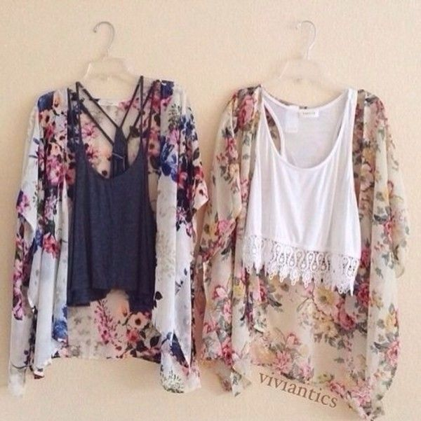 White crochet and black crop top with some really trendy kimonos❤️