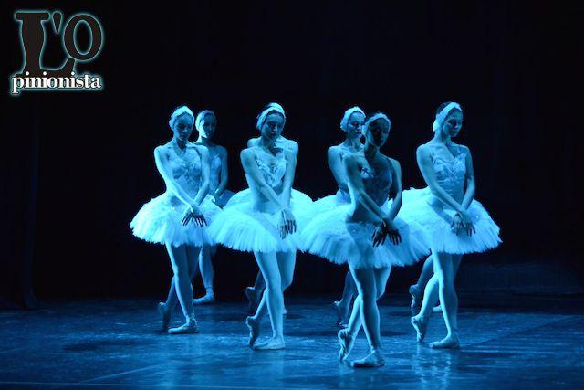 Il Lago dei Cigni: la riuscita dell'adattamento Grigorovichiano #pescaraa #spettacolo #foto #balletto