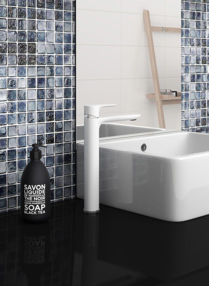 Tvättställsblandare Estetic i färgen matt vit. Finns även i krom och svart.