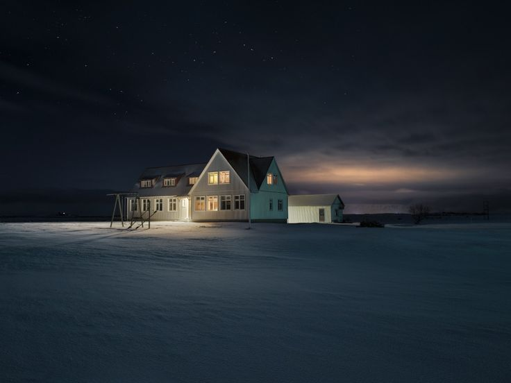 Winter in Iceland by Loïc Le Quéré.