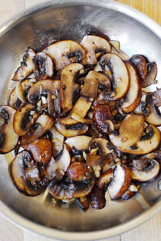 Mushroom and Garlic saute (paleo, gluten free)