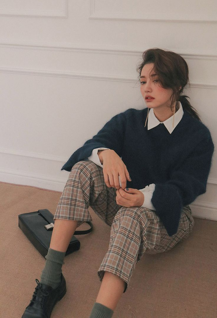 French, old school style aesthetic | tartan pants/trousers
