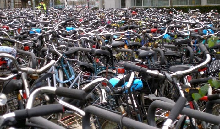 """Here a some things to be aware of when looking for what could be your first """"serious"""" bike - a commuter. http://roa.rs/14FfecF"""