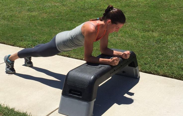 Try This 8-Week Plank Challenge to Get Stronger From Head to Toe  http://www.runnersworld.com/strength-training/try-this-8-week-plank-challenge-to-get-stronger-from-head-to-toe?utm_content=2017-01-25