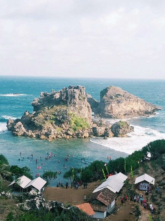 The magical beauty of Pantai Nglambor, Gunung Kidul