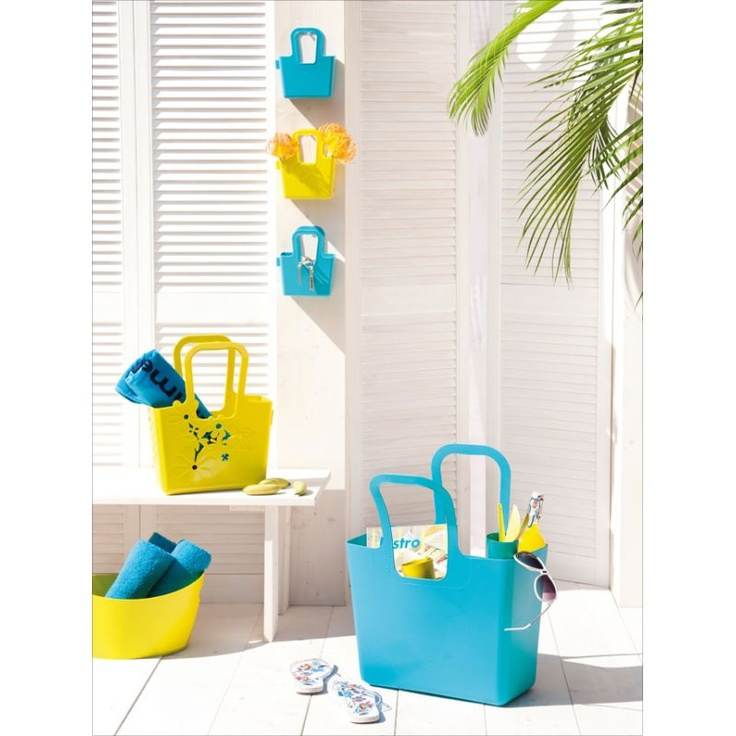 Plastikowa Torba Taschelini niemieckiej marki Koziol. Produkt został wykonany z wysokiej jakości tworzywa sztucznego. Atutem torby jest niezwykła lekkość, praktyczność i ekonomiczność - została wykonana z materiałów przetwarzalnych. Produkt dostępny jest w kilku wersjach kolorystycznych.