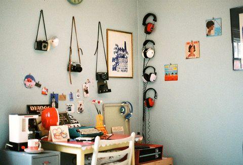 via TumblrDreams Places, Living Spaces, Offices Spaces, Dorm Design, Grey Wall, Vintage Spaces, Vintage Room, Vintage Bedrooms, Retro Vintage
