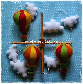 My Felt: Mobile para o berço com balões de ar quente e nuvens em feltro.