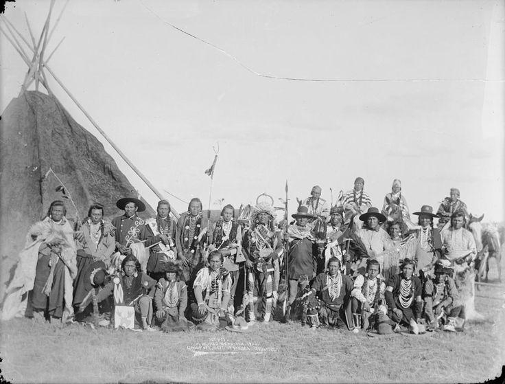 Yakima men - 1900
