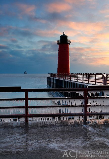 One of my new favorite places Double Light - Milwaukee Pierhead and Breakwater Lighthouses (Milwaukee, WI)