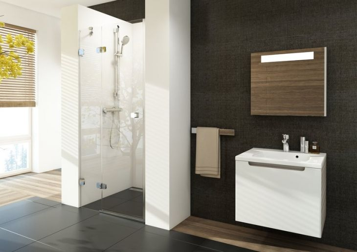 Brilliant - podkreślenie pięknej łazienki / kabina prysznicowa