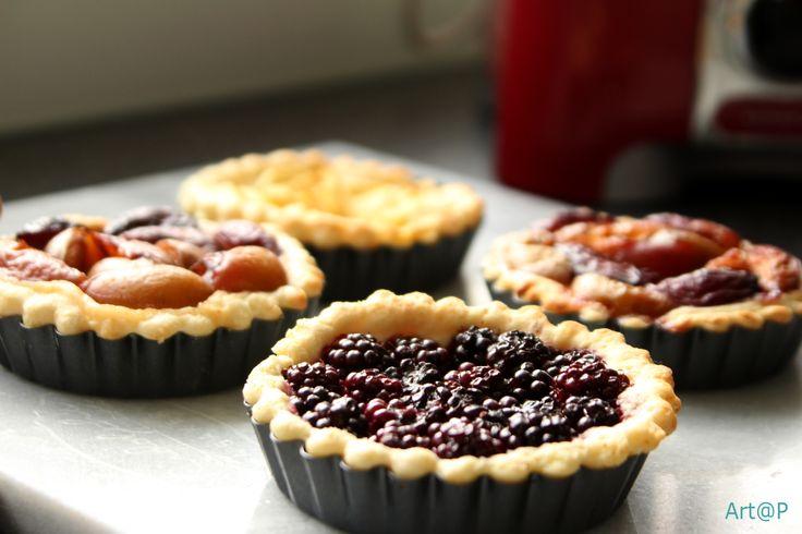 verse vlaaitjes met appel pruimen en bramen