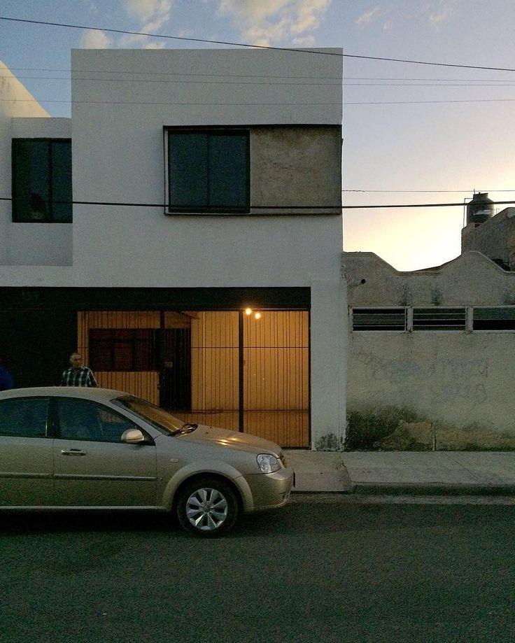 Casa LG | Moises Sánchez  #architect #designer #architecture #arquitetura #mexico #architecturelovers #archilovers #archidaily #arquitetura #arquitectura #arquitecturamx #design #interiordesign #house #home #homedesign #casa #facade #fachada #minimal #minimalism #lifestyle #simplicity #white #modern #construction #construccion #gdl #mexico #guadalajara #gdl_arq #gdl_urban
