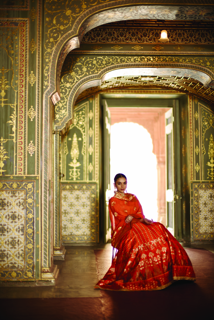 #anitadongre #summer16 @aditiraohydari #signature #WeavesofBanaras #banaras #benaras #rajasthan #heritage #bridal #Indian #ensemble #pinkcity #earrings @jet_gems #jewellery #handcrafted #vintage #luxury #elegant #bridal #regal #preciousjewellery #uncutdiamonds #fashion #aditiraohydari #bollywood #celebrityfashion #instalove