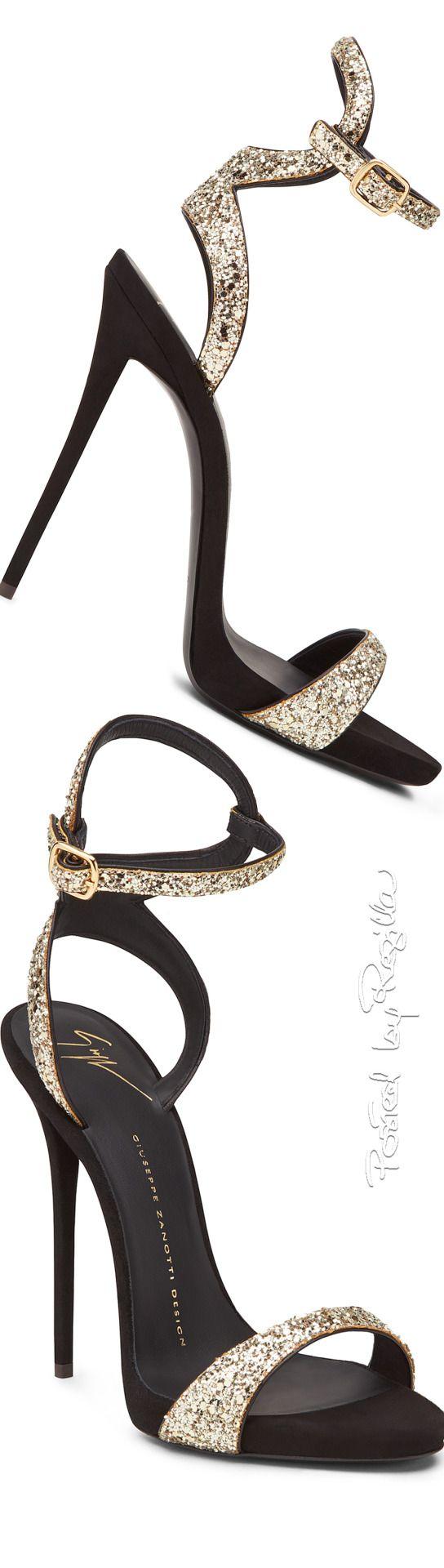 die besten 25 high heels mit glitzer ideen auf pinterest prickelnde high heels funkelnde. Black Bedroom Furniture Sets. Home Design Ideas