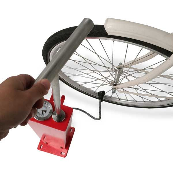 The FalcoBoost is a heavy-duty cycle pump design, enabling cyclists to quickly and conveniently inflate their bicycle tyres.  http://www.falco.co.uk/products/advanced-cycle-products/falcoboost-cycle-pump/