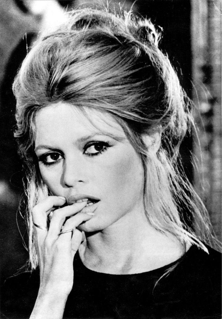 Brigitte Bardot - Messy Chignon