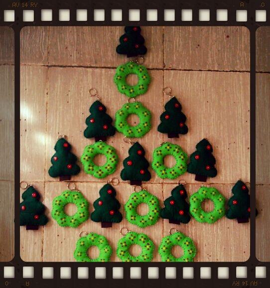 unos lindos llaveritos muy navideños