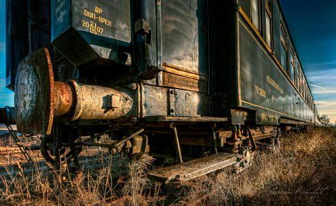 Lonely italian train by Marcin Bambit