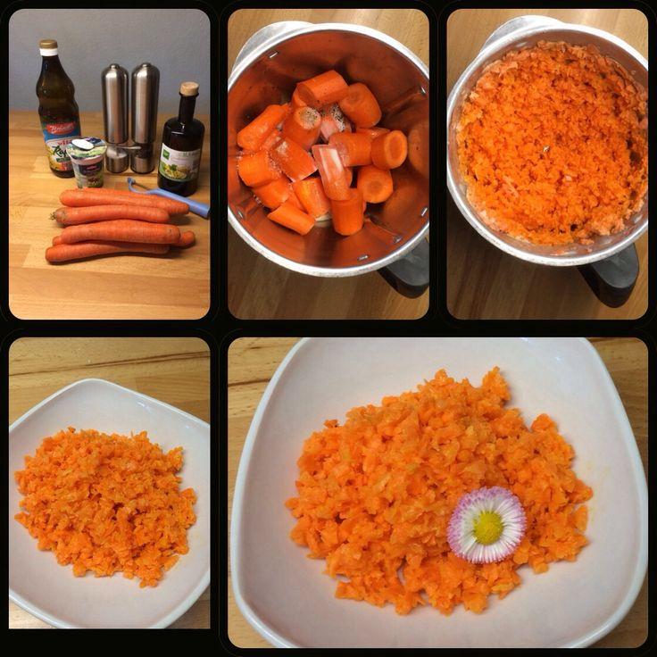 """Karottensalat """"Schneller gehts nicht"""" 6 Portionen 600 g Karotten, in Stücke geschnitten 40 g Creme fraîche, Salatmayonnaise oder Sahne 1 EL Zucker 1/2 TL Salz 1 Prise Pfeffer 1 EL Essig…"""