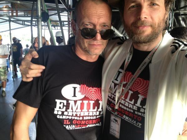 Biagio Antonacci e Lorenzo Jovanotti. Insieme nel backstage di #italialovesemilia
