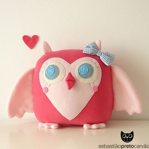Just an adorable little owl!  I want to make one! passarinha mãeeeeee...