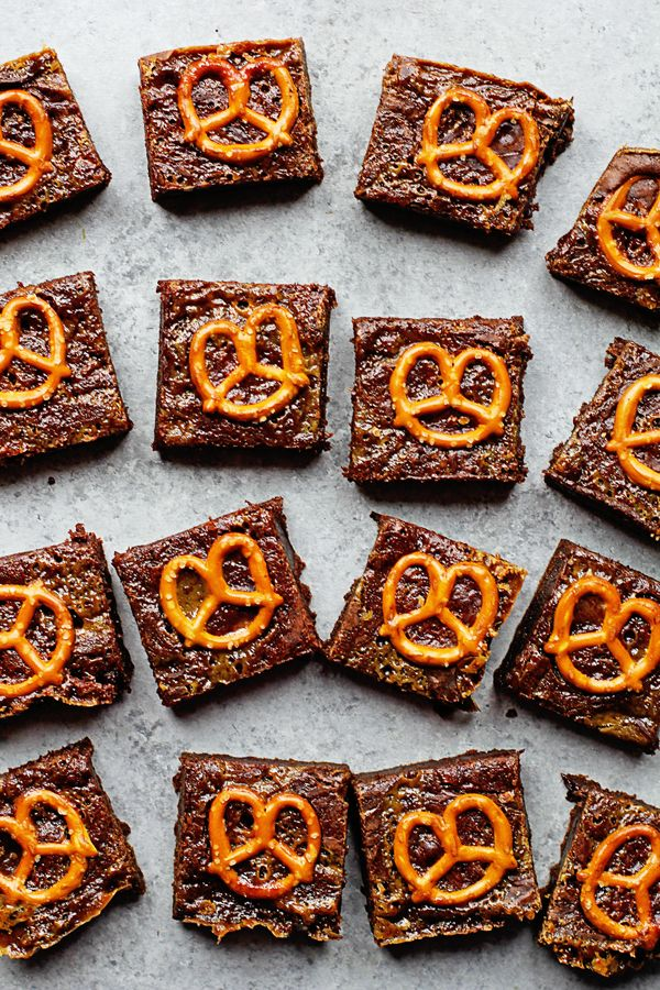 This Caramel Pretzel Brownies Recipe is a perfect twist on a classic! These are full of fudgy chocolate and caramel flavor and the crunch of pretzels!