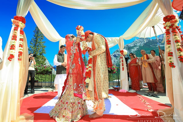 Geetika-Anup-Indian-Wedding-Photography-Hindu-Destination-Wedding-Banff-31.jpg (640×427)