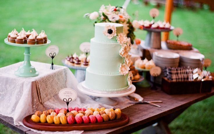 dessert table idea - cover box in fabric to give height to table and more dimension