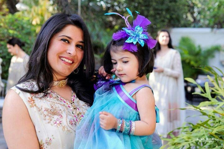 Sharmeen obaid chinoy with her daughter....