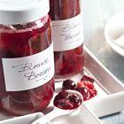 Jam zonder suiker van aardbeien,  blauwe bessen en frambozen