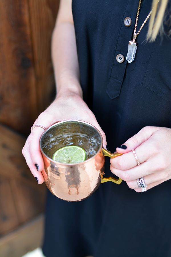 Copper mugs are so pretty! And they are best when filled with a vodka mule recipe! Here I made one with Oak by Absolut to give the classic Moscow Mule recipe a little twist!