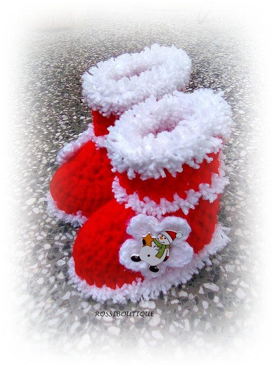 Bebé Crochet Navidad botitas de bebé, botitas de bebé Santa, botas, botines rojos, zapatos de bebé del ganchillo, patucos recién nacido Santa, botas de Navidad  ATENCIÓN!!!!!! POR FAVOR, TENGA EN CUENTA LOS PRODUCTOS QUE SE COMPRAN DESPUÉS DE 1 DE DICIEMBRE WOLDNT LLEGÓ A USTED ANTES DE NAVIDAD. DEBIDO A QUE MUCHO TIEMPO A LA ENTREGA. GRACIAS POR COMPRENDER!!!  Hecho a la medida  Hermosa pequeña Santa del ganchillo a bebé botines mantendrá acogedor de pequeños pies de su bebé y calentar…