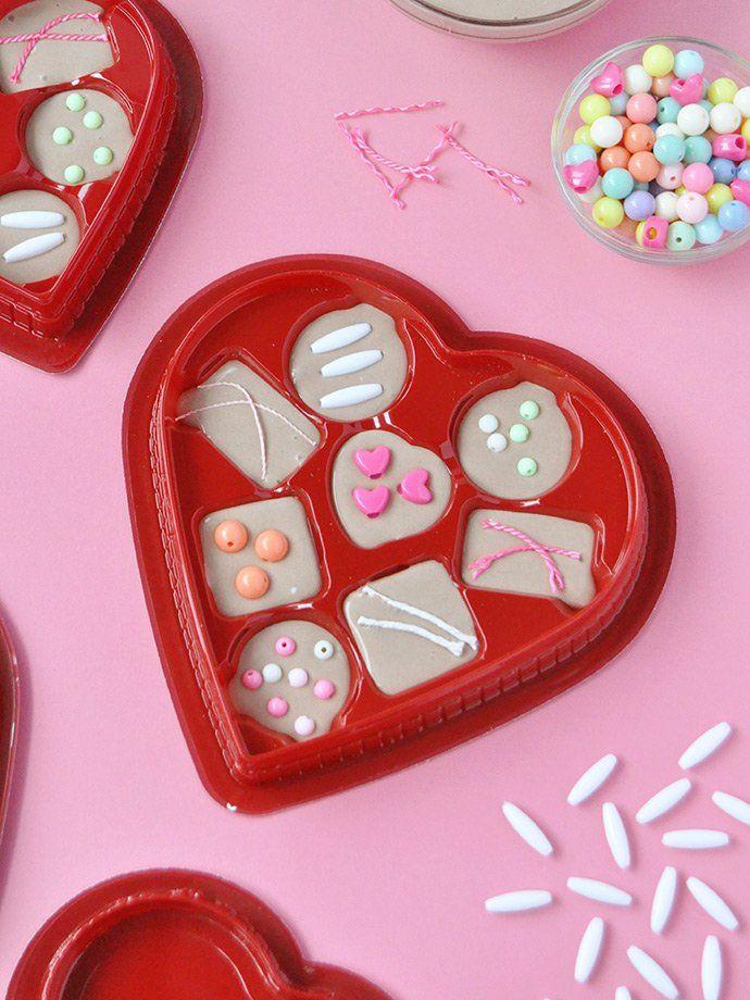 537 best Valentine\'s Day Crafts images on Pinterest