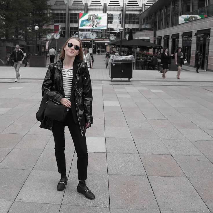 """213 Likes, 13 Comments - Gabriella Buzas (@epicstreetstyle) on Instagram: """"EPIC SUITING & BUILDING A COOL MINIMAL WARDROBE 👕 new on epicstreetstyle.com 😊 . ."""" outfit ideas outfitinspo ootd ootn wiw what I wear inspiration minimal style all black raincoat mac cropped trousers loafers luxe fishnet socks ThisIsNewLook @newlookfashion @topshop TopshopStyle ray-ban HMOotd suit @nakedvice bag"""