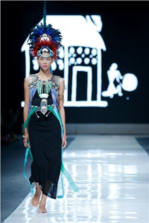Jakarta Fashion Week 2012-2013..Designer Siskra Mahto. Fashion designer from Indonesia