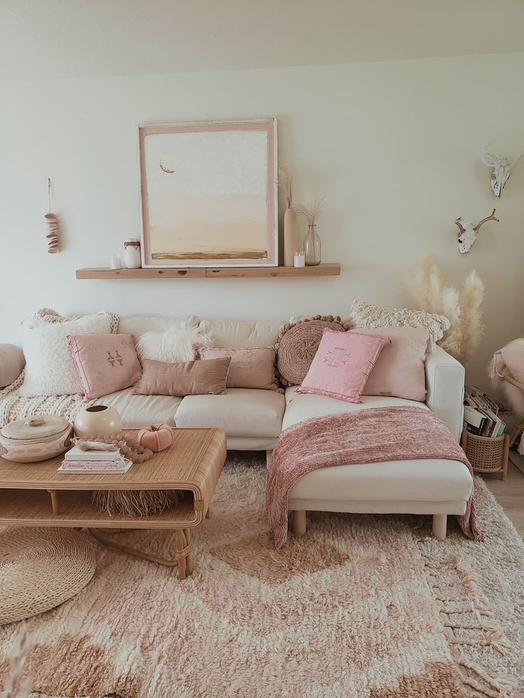Pink Room Decor Living, Pink Living Room