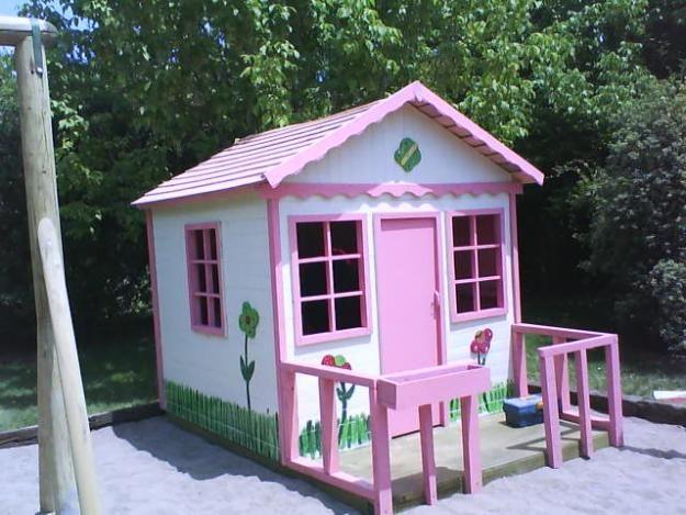 Casa de ni os en el jardin arquitectura y decoracion del for Casa jardin ninos
