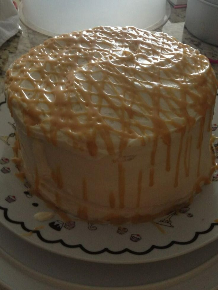 Vanilla cake with dulce de leche filling and browned butter frosting
