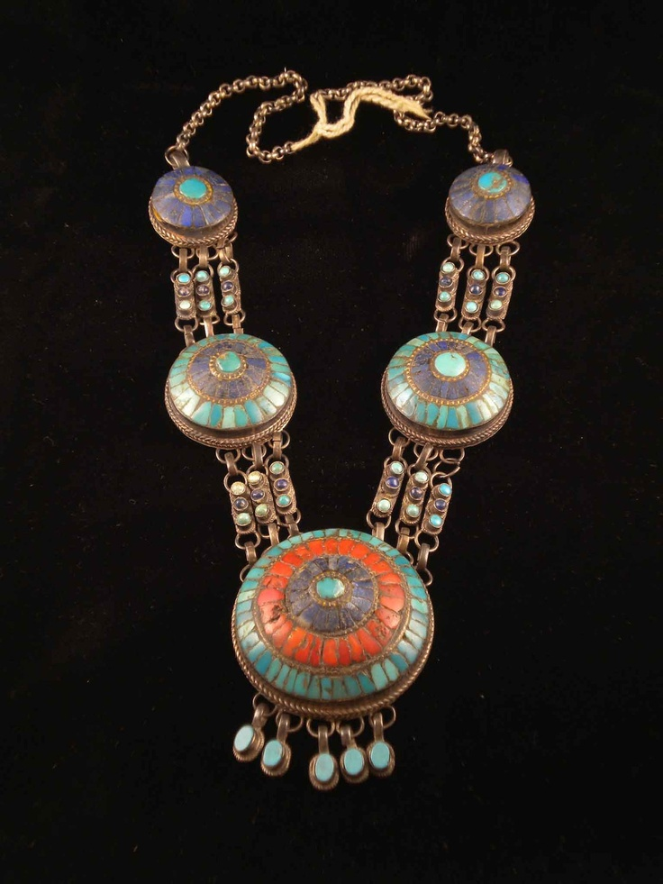 India | Vintage silver, turquoise, coral and lapis lazuli necklace from Ladakh…
