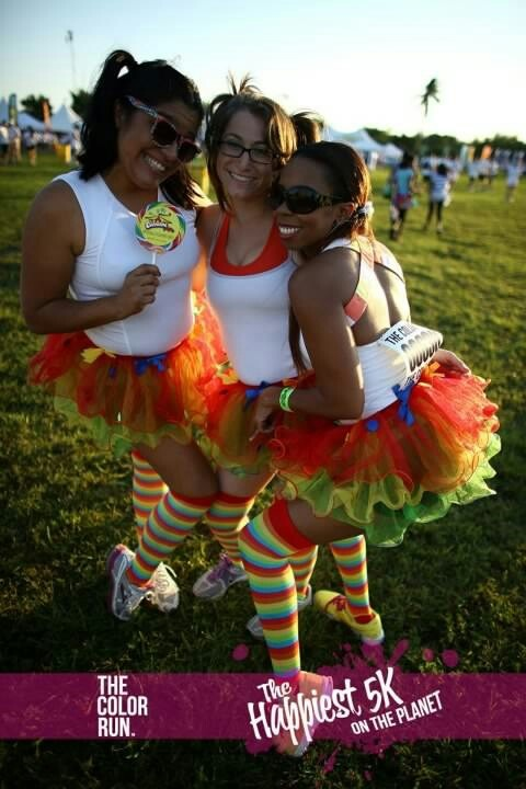 of my gosh, I HAVE to do the color rub and borrow the idea for these awesome race outfits! <3 the socks most.