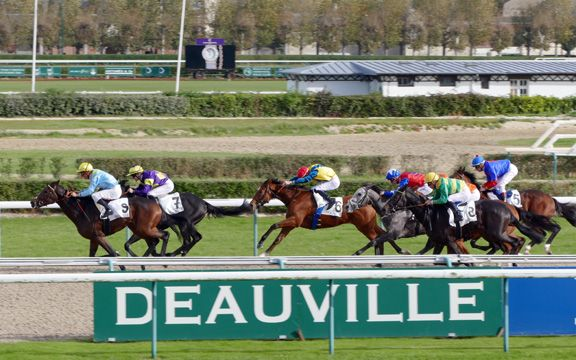 Horseracing authorities in France are rallying to fight off a new gaming option that could threaten its almost 90-year monopoly on the high street betting market.  The government has agreed to let Française Des Jeux (FDJ), …