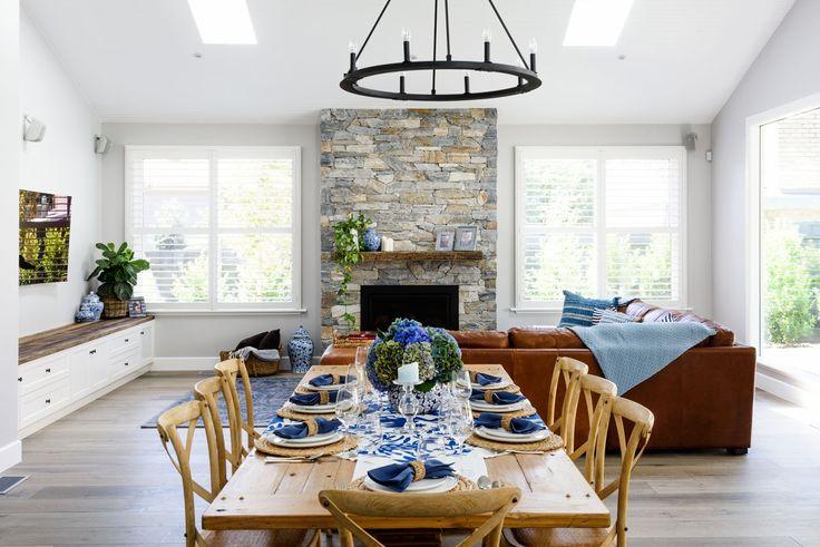 Luxury Hampton's Living and Dining Area