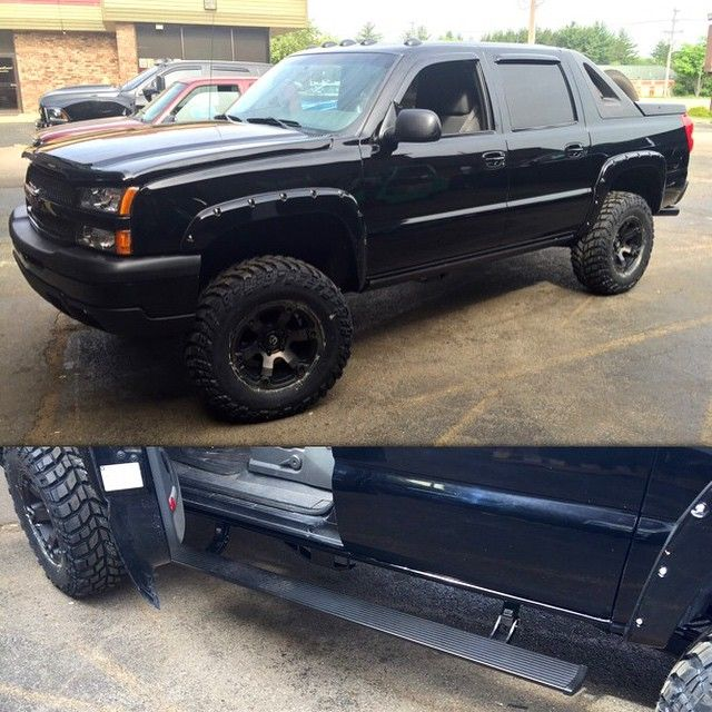 Chevrolet Grand Rapids: Avalanche With AMP Power Steps, Fuel Beast Wheels, And