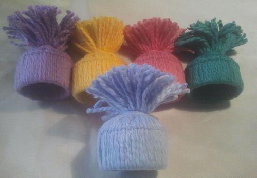 Eftersom julen nu är över och snart är det påsk, så blev jag väldigt inspirerad redan nu att göra småluvor i påskens färger, och först ut blev ett 5-pack för 70;- dessa kommer säkert att bli hur fi...